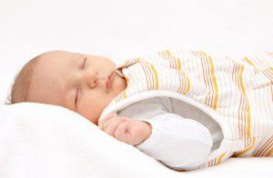 śpiworki dla niemowlaków